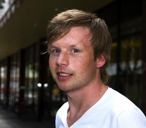 Pelle Johansson, 24, personlig assistent, Borlänge – Ja, det är bra. Det gynnar Borlänge.