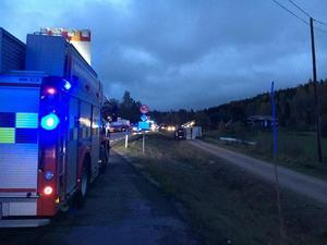Trafikolycka på E4  vid Vattrång, en lastbil har kört av vägen.