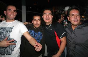 Blue Moon Bar. Fidel Castro, Maurico, David och Raul
