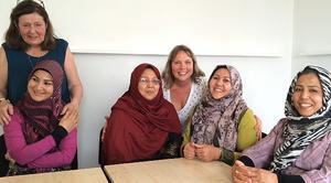 Samea Jamshidai, Klara Yvonne Klingspor, Kamila Ahmadi,Eva Sjöblom, Tahere Mohseni och Fakhere Alipor är glada över sitt konstnärsprojekt som kommer tt visas hos ABF i Leksand.