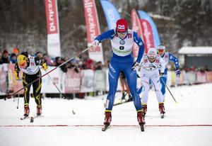 Stina Nilsson, Charlotte Kalla och Hanna Falk i skidpremiären i Bruksvallarna som i år flyttas till Gällivare.