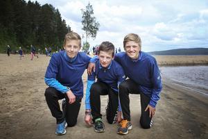 Malte Edvardsson, Mille Edvardsson och Alexander Nyström har haft roligt under dagen.