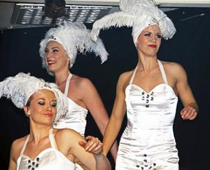 Glitter och glamour med Frida Sollerhag, Linnea Kibe och Lindis Botolfsen.