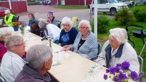 Det var många som kom för att avnjuta den traditionella sillmiddagen.