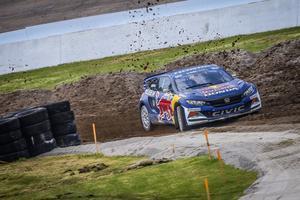 Rallycrossteamet OMSE i Nynäshamn ställer upp med tre Honda Civic i årets GRC. Oliver Eriksson kör en av dem.