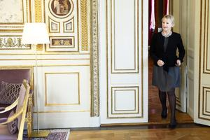 Utrikesminister Margot Wallström kommenterar årets vinnare av Nobels fredspris på Utrikesdepardementet i Stockholm. Nobels fredspris för 2017 tilldelas Internationella kampanjen för att avskaffa kärnvapen.