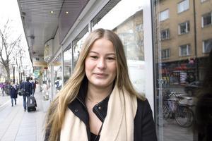 Hur känns det och var kommer du att hänga? Frida Andersson, 22, servitris, Skinnskatteberg: – Klart jag längtar. Jag har bott i Oslo senare år och har inget direkt favoritställe så.