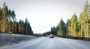 Så här ser riksväg 50 strax norr om Svabensverk ut nu.