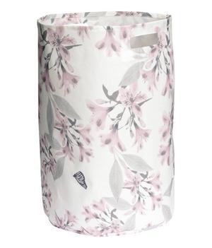 TVÄTT. Den blomstermönstrade tvättkorgen kommer från H&M Home och kostar 129 kronor.