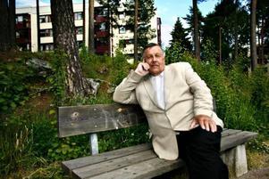 Karl-Erik Carlsson gjorde som majoriteten av de boende i valkrets Sätra 3 i söndags: han stannade hemma från vallokalen. –Jag är emot EU, säger han.