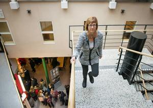 Kurator Lena Ströberg på Studenthälsan säger att en tidig krisbearbetning hjälper mycket vid en traumatisk händelse.