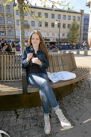 Filippa Jansson- O'Leary, 13 år, ÖstansjöJeans och jacka: Gina tricotTröja: BikbokSkor: Ärvda