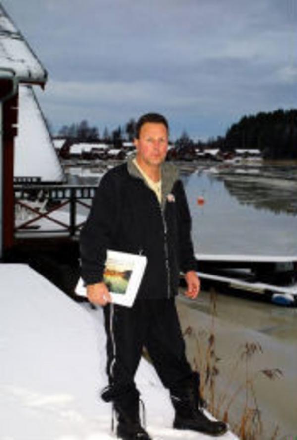 Ordföranden i Njurunda Skärgårds Ekonomiska förening, Göran Sahlin driver frågan om muddring i Sjöboviken i Skatan.