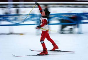 Matheus Gjersvold-Abrahamsson hade satsat extra på att lyckas bra i just Lilla Östersundsspelen, inte så konstigt då att han blev så här glad när han skar mållinjen före alla andra.   Foto: Denny Calvo