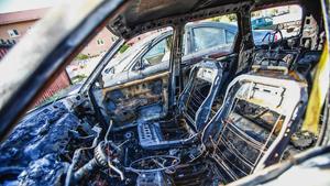 En del i regeringens förslag om ny strategi för att minska antalet bilbränder är skärpta straff för skadegörelse.