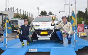 Jim Hjerpe och Elias Lundberg är i ledning inför helgens start.