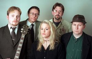 Erika Stolt & The Blues Bandits avslutar country- och rockfestivalen i hyttan det här året.