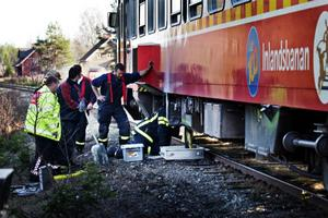 Motorn i en rälsbuss på Inlandsbanan tog eld och orsakade ett stort räddningslarm. Men Inlandsbanans personal hade själv släckt branden, när räddningstjänsten anlände.