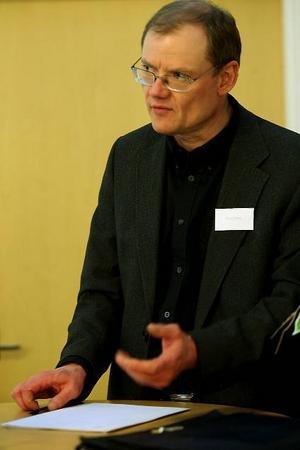 Bengt Friberg, skolchef Hudiksvall, anser att grundskolan i Hudiksvall måste bli bättre.