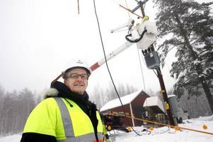 Områdeschef Krister Lindgren betonar gärna kundnyttan med det nya arbetssätt som gör att kunderna slipper strömlösa perioder när ledningen ska underhållas och repareras