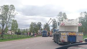 Arbetet med att flytta Fjällporten började på måndagsmorgonen.