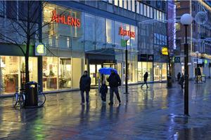 Snart december, men höstvädret fortsätter. För Sundsvall Energi innebär det kraftigt minskade intäkter.