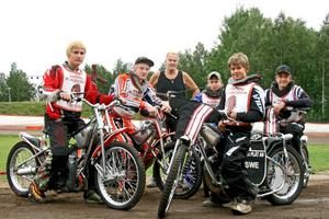 Snabbt gäng. Viktor Flood, Kim Åsling, Oskar Axelsson, Linus Andersson och Joel Andersson. Tränare är Berne Larsson.