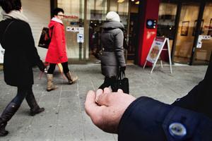 Tiggeriet har blivit ett permanent inslag i gatubilden i många svenska städer.