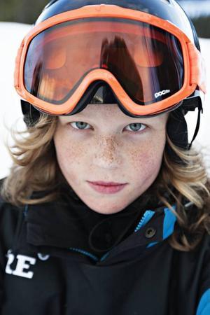 Hugo Duvér 13 år från Spånga:– Jag ville sätta  en 180 eller kanske göra nån grab i hoppen. Men det gick sådär idag. Jag fick inte till allt. Men det var kul att åka med andra.