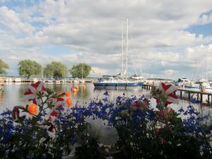 Västerås, en underbar sjöstad. Vi hann njuta av en god middag och vacker vy innan ovädret drog in. Vi fortsatte vår resa och i utkanten av Västerås öppnade sig himlens portar! Vilken sommar!