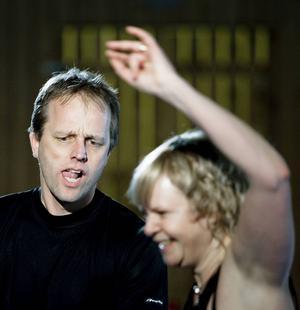 2009-02-06   Minisnurren inklusive DM i bugg- och rock'n'rolldanser. Njurundahallen. Roger Sundin tillsammans med Kristina Sundin, nummer 225, tävlandes för Altira.