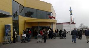Ikea utrymdes på grund av ett brandlarm på onsdagsförmiddagen. FOTO: PER G NORÉN