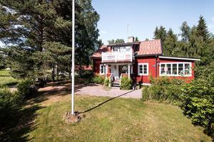 Friliggande villa på Korsarsvägen i Falun är ett populärt objekt.