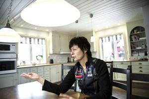 Förbundskaptenen för det svenska orienteringslandslaget, Anneli Östberg, har haft exempellösa framgångar under 2011. Nu förbereder hon och de aktiva sig inför bland annat EM i Dalarna i sommar.