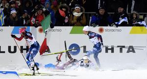 Stina Nilsson föll i damernas sprint, efter att ha klivit in framför Natalja Matvejeva.