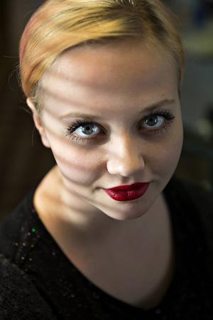 3       Kata Nilsson erfaren estradpoet som nästa vecka tävlar i SM i Poetry Slam - igen. Vi som hört Kata på scen vet hennes kapacitet. Heja, heja!
