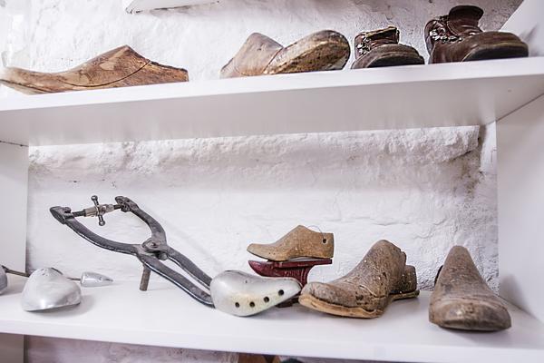 Nötta och slitna. Modeller som man bygger upp skorna på.