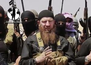 Tjetjenen Tarkhan Batirashvili, mer känd som Abu Omar al-Shishani, var ett högt befäl inom IS. USA erbjöd 5 miljoner dollar till den som kunde lämna information som ledde till hans tillfångatagande. Tarkhan Batirashvili dog i somras efter en amerikansk flygbombning.