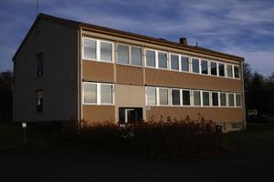 Före detta polisstationen i Fränsta, som en gång i världen inrymde Spies, blir nu lokal för Focus CRS AB som ska boka kundbesök för ett finansbolag från Stockholm.
