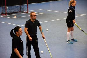 Per Lindfors är en av tränarna för Gullänget–Kroksta.