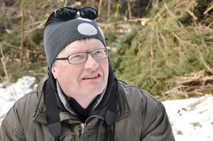 Håkan Blomqvist SCA Jämtlands skogförvaltning, hjälper till vid besvärliga bedömningar av naturvård vid avverkning.