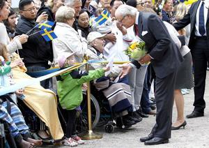 Kungen mottog presenter från Gävleborna.