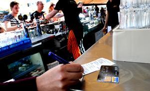 Nära 750 miljoner exklusive moms spenderades på länets restauranger och krogar 2008.