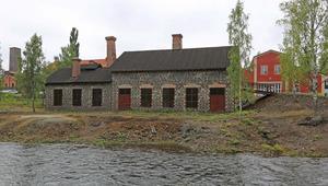 Bostäderna ska ligga på platån bakom de befintliga husen. Delar av området har utsikt över Falun.