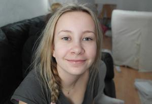 Mimmi Sörensen, 15 år, Forssaklackskolan:– Det beror på vad mamma handlar. Ibland äter vi ekologiskt och ibland blir det kanske lite sämre varor som inte direkt hjälper miljön.