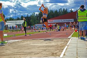 Linn Egerfält hoppade både högt och långt i söndagens tresteg.