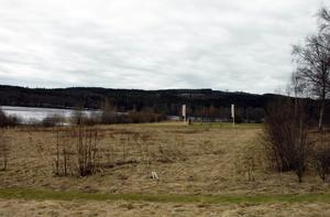 Sjönära. Här i området vid Säters sjukhus före detta trädgård, där bland annat Säters golfklubbs drivingrange finns, kan det bli aktuellt att bygga villor.