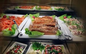 Det är viktigt att få patienterna att äta ordentligt. Mer mat lagas från grunden. Här är det fint upplagt men annars är maten i kantiner, vilket också ses som ett plus i tävlingen. Foto: Staffan Björklund