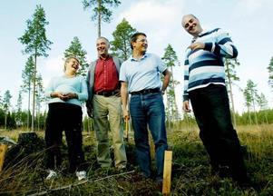 Valstart. Alliansen åker i dag, måndag, till Varberg för att lägga fast sin strategi för en valseger 2010. Utgångsläget för en sådan är dyster. Bilden är från den beramade träffen i Högfors 2004.