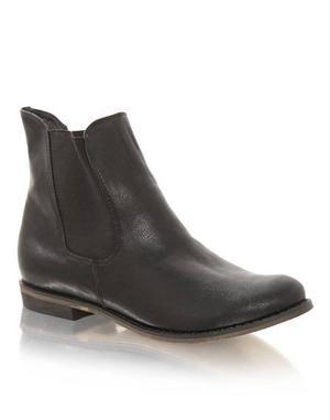 Svarta boots från Nelly Shoes, 299 kronor.